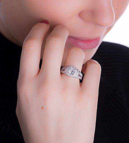 Anel de diamantes CUSHION
