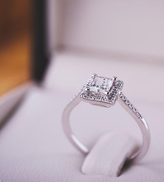Anel de diamantes AFRICA